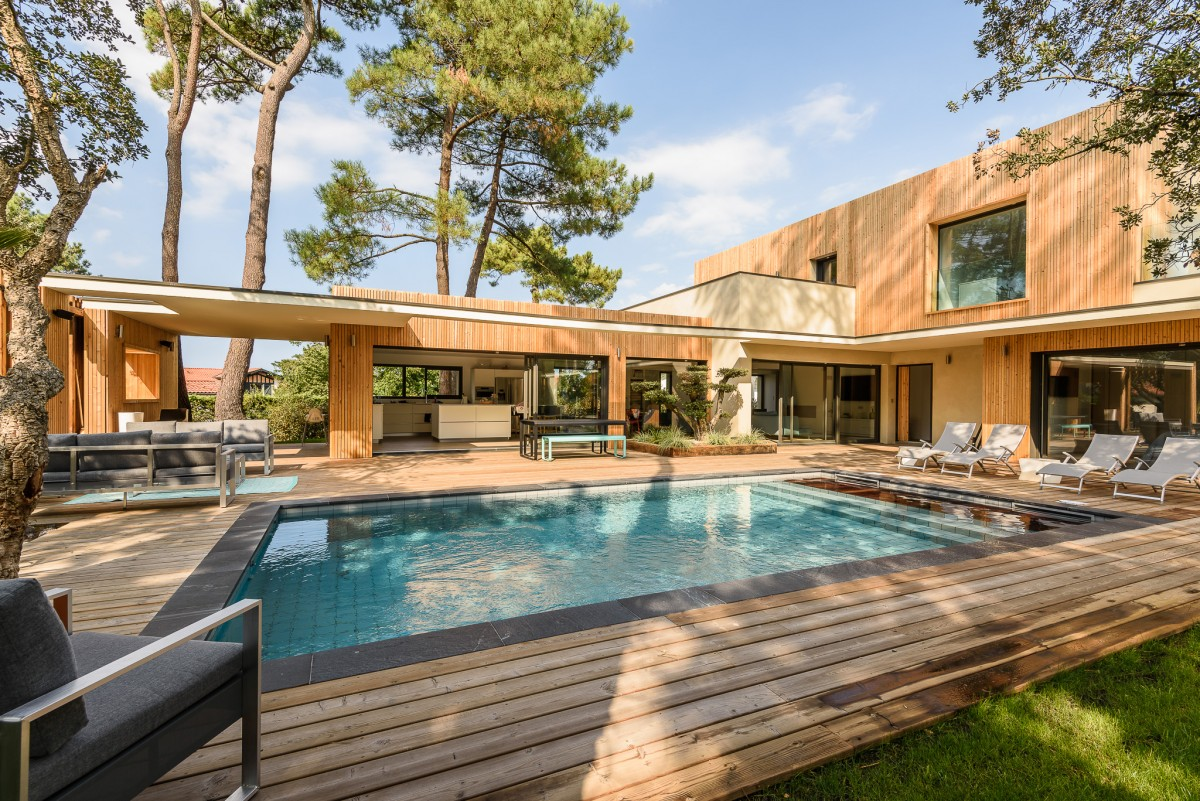 Maisons contemporaines haizeco for Architecte hossegor